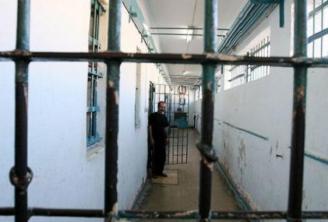 Carcere - detenuto corridoio