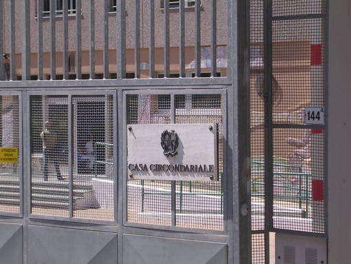 Carceri, I detenuti potranno avere il computer nelle celle, utilizzare internet e usare Skype